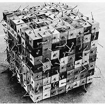 3 dimensionaal weefsel 1 / 100 x 100 x 100 cm / mixed media / 1978
