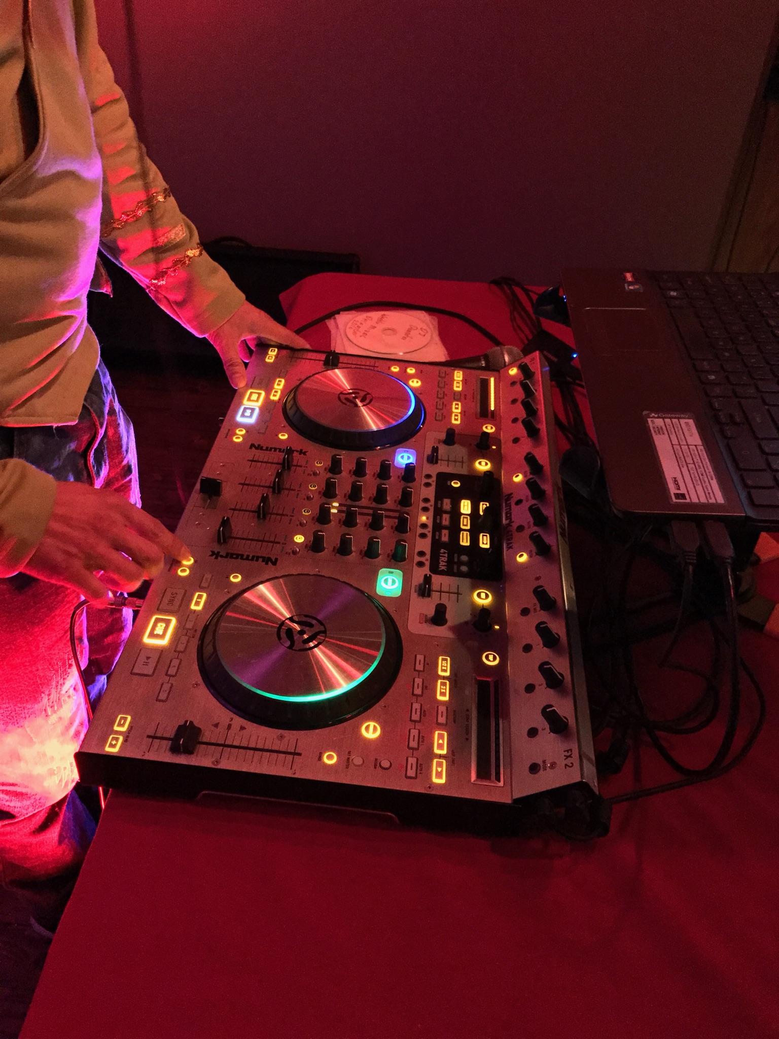 DJ DanniBoi's equipment