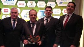 Presidente da CRV Industrial recebe prêmio em São Paulo...