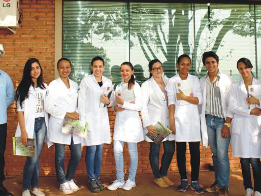 CRV Industrial recebe visita técnica de alunos do curso de Enfermagem da UEG...