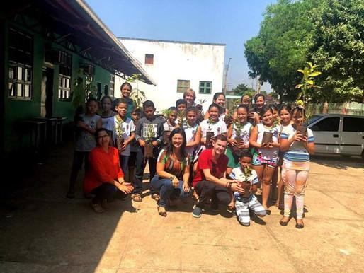 CRV Industrial doa mudas de árvores para escolas de Uruana...