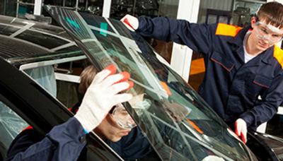 Custom Creations Truck  Accessories | Regina SK | Glass Replacement | SGI Accredited | Glass Chip Repair |