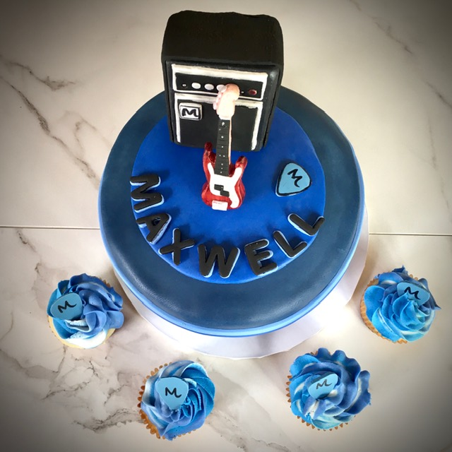 Bar Mitzvah cake - fondant guitar and amp