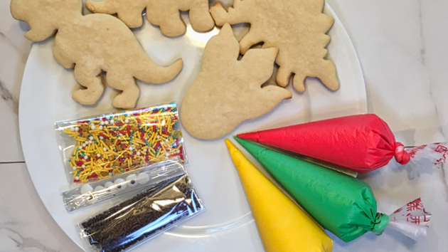 Decorate Your Own Cookie Gift Set - Dinosaurs!