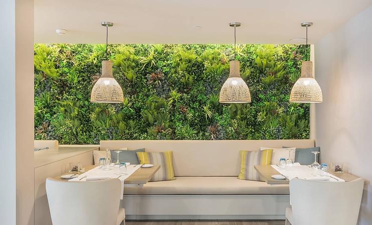 mur_vegetal_artificiel_restaurant.jpg