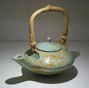 Stoneware & Procelain Teapots