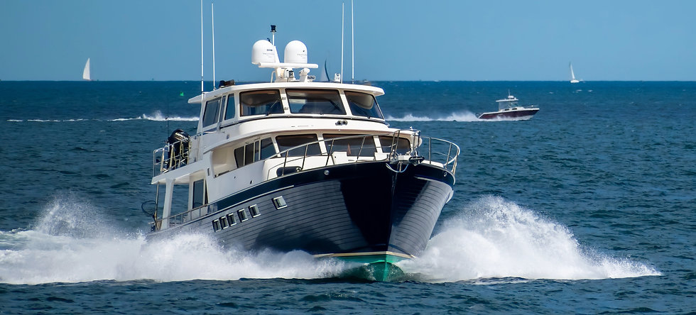 Large%20Yacht%20at%20Full%20Speed%20Ahea