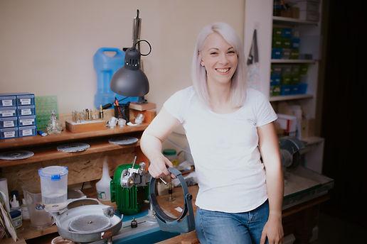 Laura Phillis - lapidarist