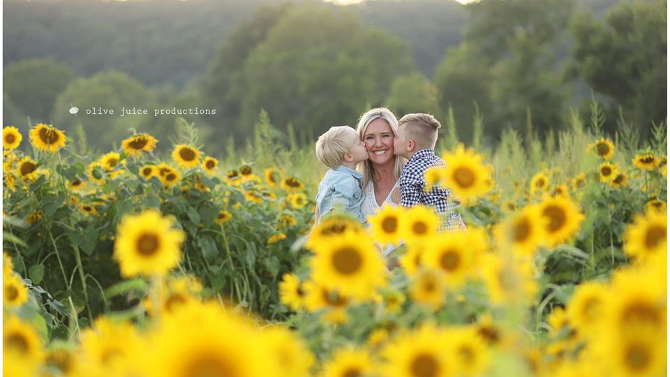 6:00 PM Monday 9/7/2020  |  Brookdale Farms Sunflower Maze, Eureka MO
