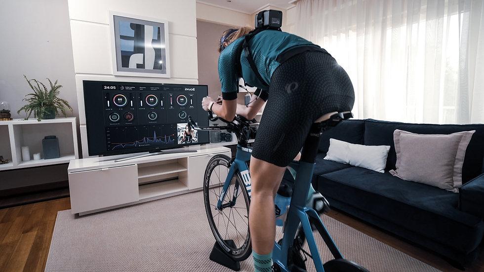 PNOĒ Platform - Female indoor cycling .j