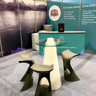 Aquanor veggdekor og møbler
