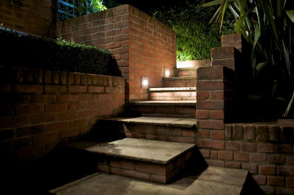 Barnet Residence - Steps