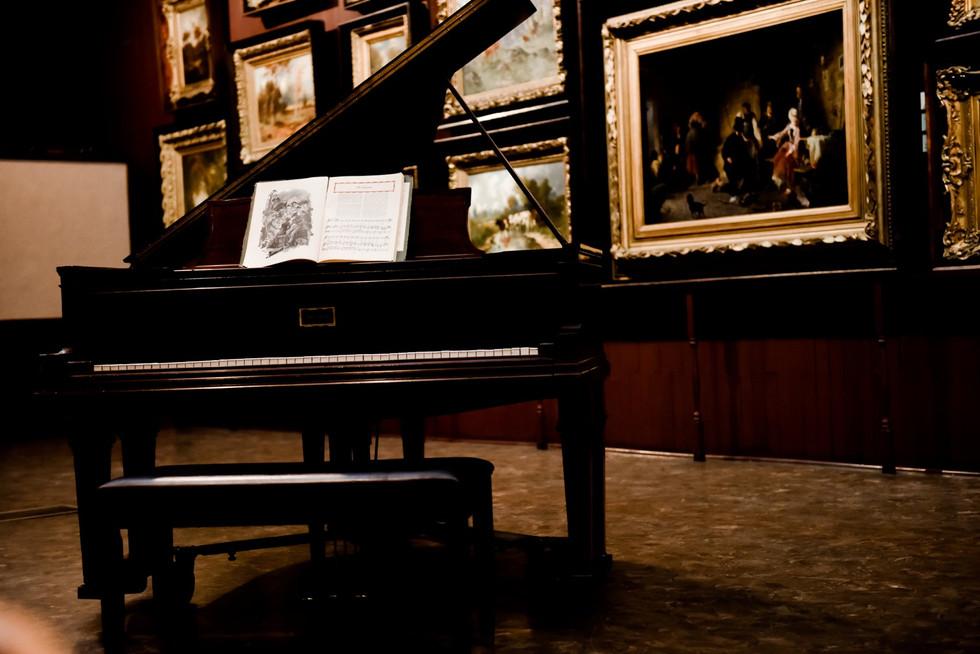 Piano Main Gallery