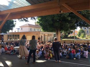 Une rentrée joyeuse avec l'accueil de nouveaux élèves.