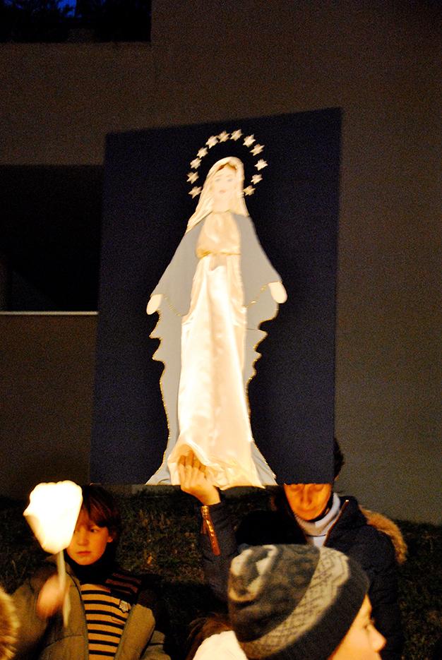 VEILLEE PRIERE MARIE - 08-12-2016 (46)