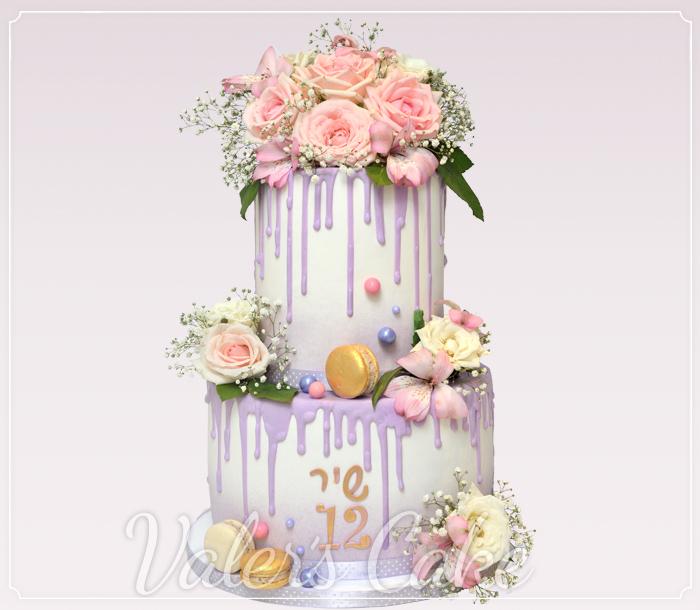 עוגת-בת-מצווה-פרחים-ומקרונים