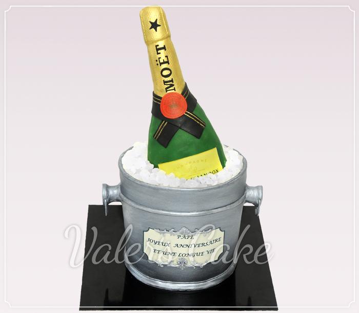 עוגה מעוצבת בקבוק שמפניה