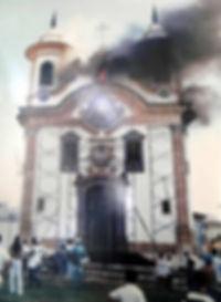 INCENDIO-1999-IGREJA-CARMO-MARIANA-COMPAT