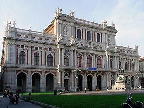 1024px-Palazzo_Carignano_(Turin)_facade.
