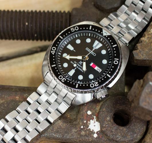 SS222003B062_Seiko-SRP777K1-Black_MT_200