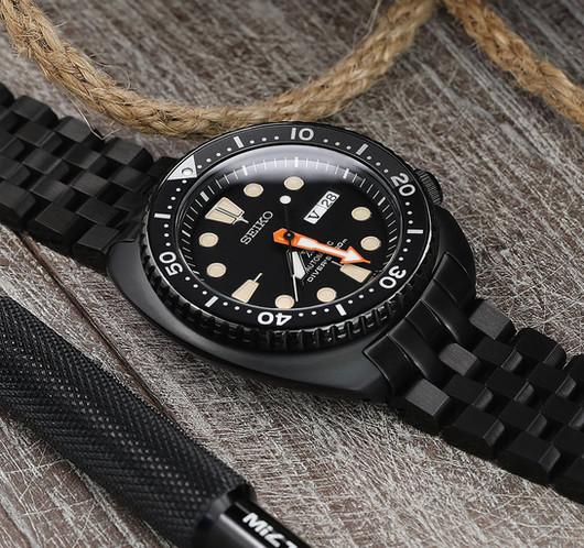 W_SS222020BBK062_Seiko-Black-Turtle-SRPC