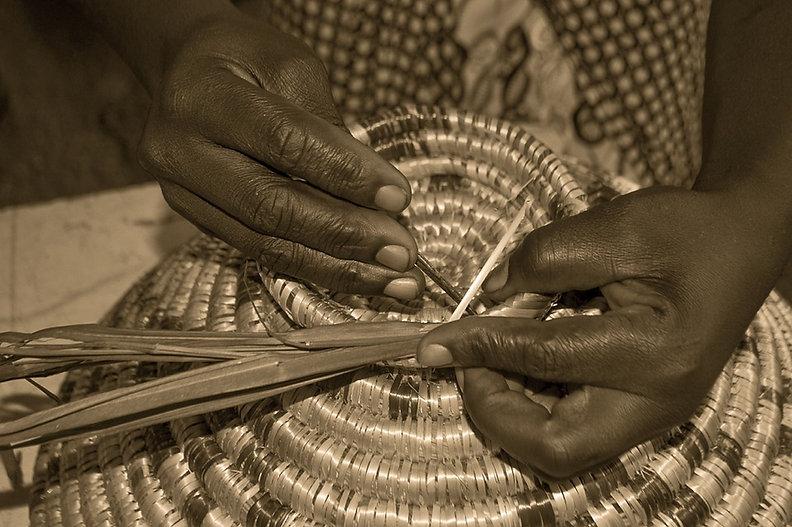 weaving-829936_960_720.jpg