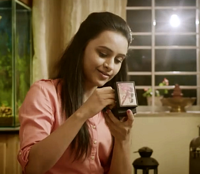 Parna Pethe - A still from a TVC.      Click for the link