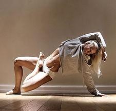 Yoga_Acro_Couples_Beginner_Poses_Girls_I