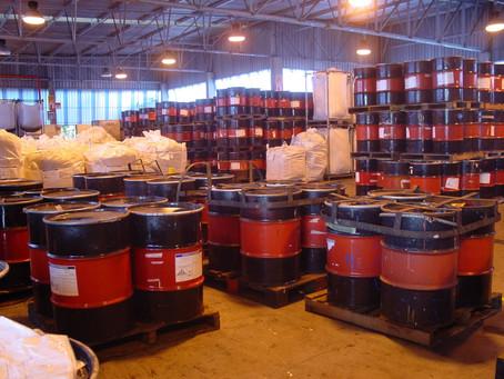 O que são resíduos industriais e como eles devem ser acondicionados?