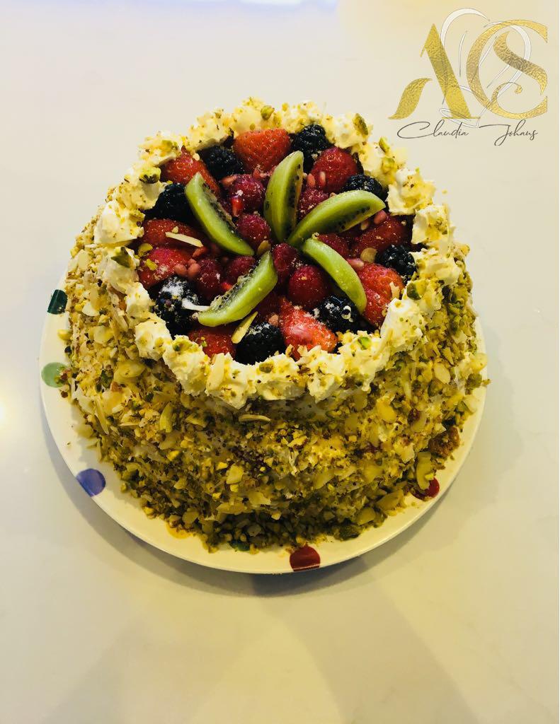 PISTQCHIO fruit sponge cake