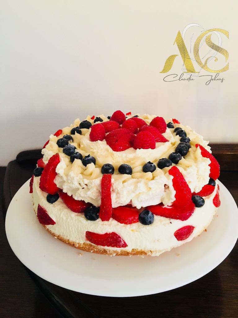 berry vanilla cream cake