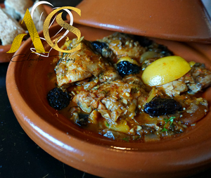 Chicken tajine with onion sauce