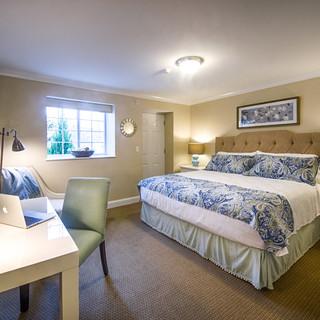 room 1-3, king standard