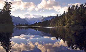Bild-bearb1-Lake Matheson_edited.jpg