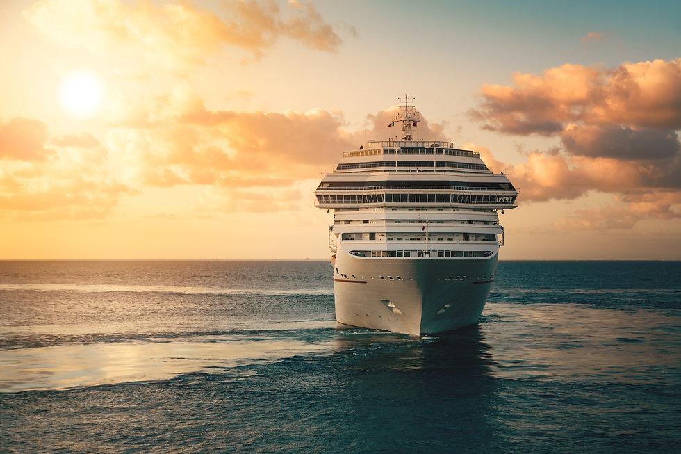 cruise-ship-PDTFFDZ.jpg