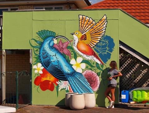 Shawnee Tekii, 2011. Fauna Mural [Acrylic on wall 3000 x 2000 cm].