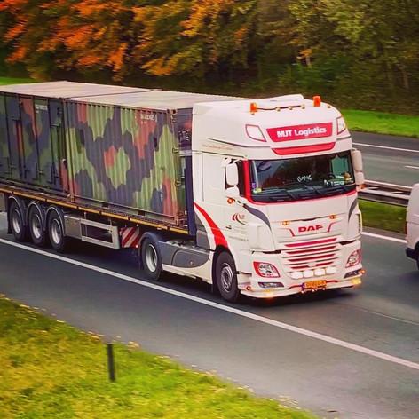 Open transport vrachtwagen MJT