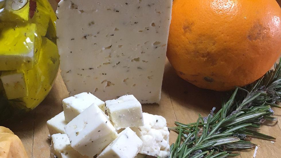 In Meersalzlake eingelegter Käse