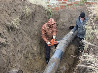 Ремонтная бригада «Таманского группового водопровода» устранила утечку на магистральном водоводе