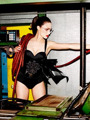 Emmy-Rossum_-Complex-Magazine--02.jpg