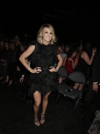 2-Carrie-Underwood-3.jpg