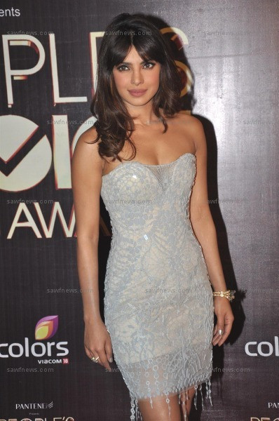 Priyanka_Chopra_27Oct2012B.jpg