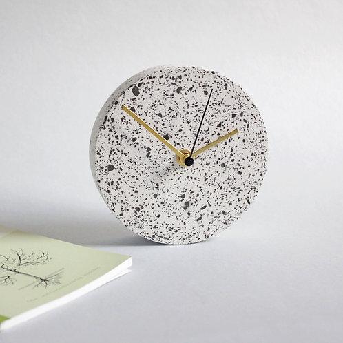 MINI Wanduhr mit Uhrzeiger aus Messing / weiß+ schwarz / 13cm