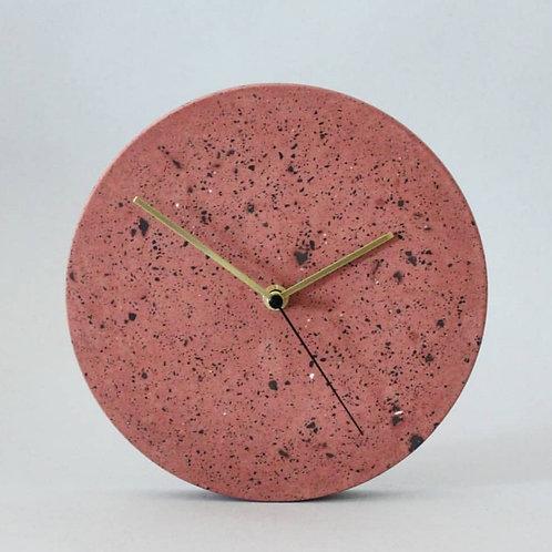 Wanduhr mit Uhrzeiger aus Messing / Rot