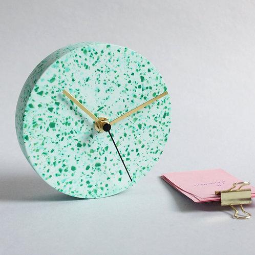 MINI Wanduhr mit Uhrzeiger aus Messing / türkis + grün / 13cm