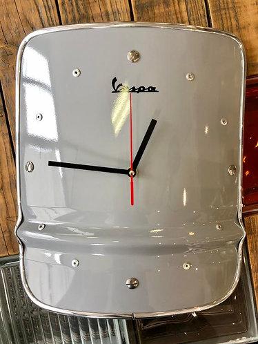 Horloge métal aimentée