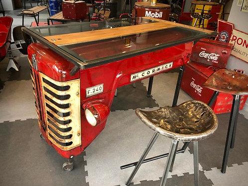 Table capot tracteur MC CORMICK