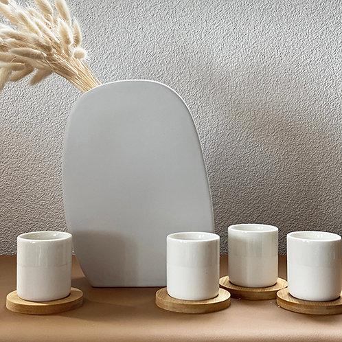 Coffret 4 tasses blanches en porcelaine et sous-tasses en bambou