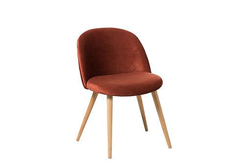 Chaise en velours marsala et pieds en bois