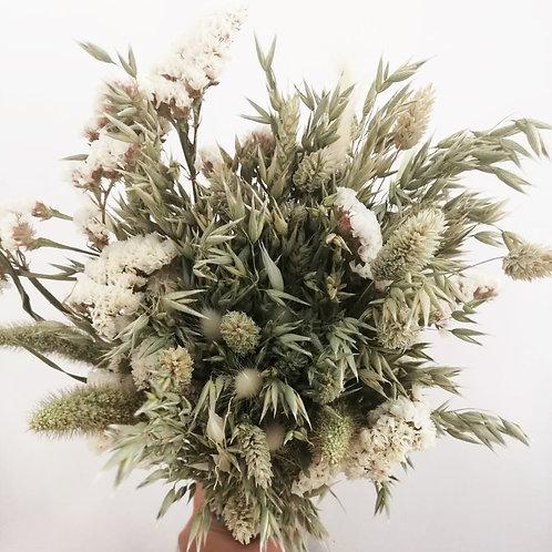 Bouquet composition variée de fleurs naturelles séchées